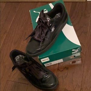 Women Black Puma Sneakers